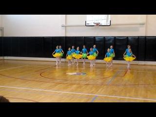 Даша танцует польку на фестивале Детской национальной балетной академии