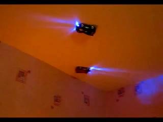 Антигравитационная машинка на радиоуправлении.Машинка ездит по стенам и потолку!