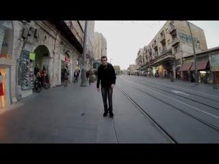 Прикольный дабстеп-клип с необычным эффектом перемотки.