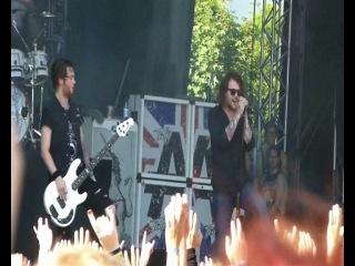 Asking Alexandria - Run Free / Live @ Vainstream Rockfest (clip)