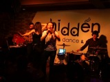 Зарядившись балканским мега-позитивом отправились мы в Hidden bar ))) По прибытии, там была обнаружена группа