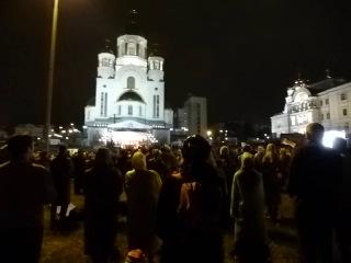 Божественная литургия у храма на Крови в Екатеринбурга 17 июля 2013 года