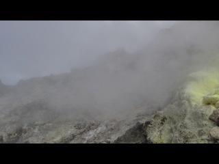 Фумарола. Вулкан Сибаяк. Северная Суматра. Индонезия. 13-10-13