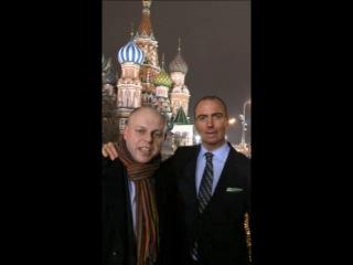 Джон Бёрн, старший вице-президент и директор по продажам в AMD, на Красной площади в Москве.