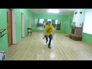 Вадім танцює:)