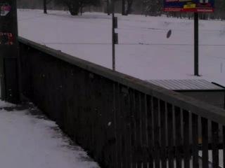 Житомирская трасса (Часть 2). 23.03.2013. Засыпаная снегом машина по среди трассы.(