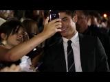 Зак фотографируется с фанами на TIFF 2013