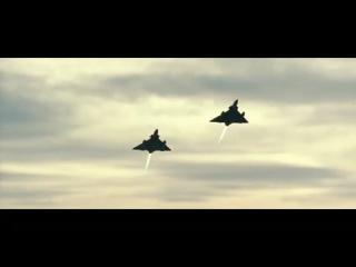Красивое видео полётов военных истребителей.
