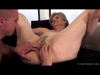бабка трахается с мальчиком фото