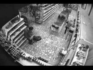 Нарезка с камер наблюдения одного магазина