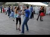 Хастл. Парень с девушкой просто жгут!(очень красиво) танец