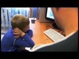 отец учит сына как делать это...))))