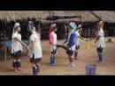 танец девушек племени Каренов