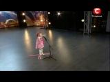 Диана Козакевич трогательно  читает стих)) смешная девочка такая )))))) чудный ребенок)))))