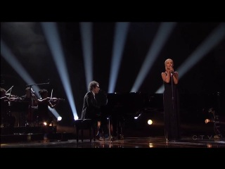 Christina Aguilera & A Great Big World - Say Something (live at AMA 2013)