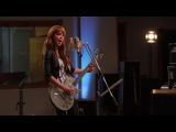 Halestorm - I Get Of live room
