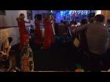 Танец дам в красном