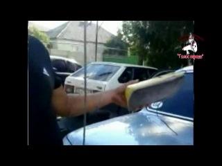 Бухие МЕНТЫ ИЗБИВАЛИ людей и крушили авто