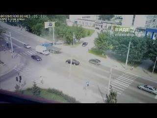 31 07 2013.ДТП в Тюмени ул.Республики audi Q7 (Гидзо) | ДТП авария