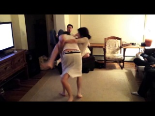 Video He Just Lost His Man Card Female Takes Dude Down In A Rear Naked Choke And Makes Him Tap Out