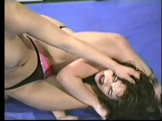 Brunette vs blonde catfight facesitting