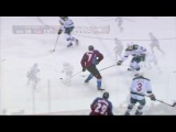 Backstrom robs Mitchell on spin-o-rama shot
