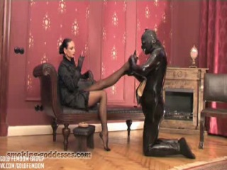 Mistress Catarina - Living Ashtray. TV studio nylonfetish от леди Анастасии Кристель Домани http://vk.com/nylonworld