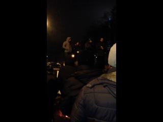 Тетяна Чорновол біля львівської облдержадміністрації
