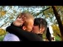 44 под музыку Тихо тихо сердце так стучит Тихо тихо что то говорит Тихо тихо отпускает боль Чтоб сильнее и быстрее В нём бежала кровь Я задыхаюсь от любви своей Задыхаюсь нет любви нежней От поцелуев я схожу с ума Я не любила как люблю тебя Я задыхаюсь от любви своей Задыхаюсь нет любви нежней Я не сумею забыть твои глаза И понимаю это навсегда Picrolla
