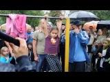 6-ти летняя девочка Даша показывает пример мужчинам!