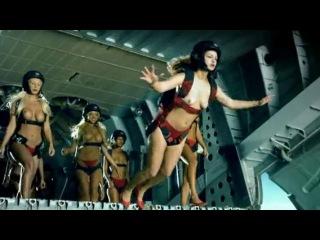 Реклама Fleggaard - Голые парашютистки