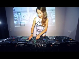 BEST ELECTRO HOUSE DANCE 2013 - Juicy M Mixing on 4 CDJs