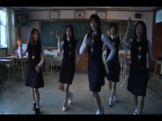 Oh Yeon Seo dancing with A Blood Pledge cast