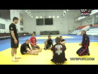 Бувайсар Сайтиев дал мастер-класс бойцам ММА.