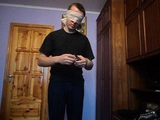 сборка зеркального кубика рубика закрытыми глазами
