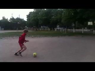 Вот как надо играть в футбол!