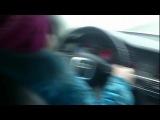 Родители учат 8-летнюю девочку опасному вождению
