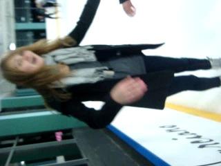 больше ни ногой)лёд не дают лизать