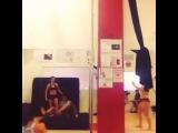 Marion Crampe делает старфиш)))))))