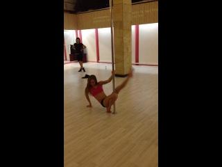 Pole exotic lesson. Studio pole dance