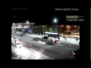 В г.Балхаш по ул.Ленина в пешеходном переходе машина сбил человека | ДТП авария