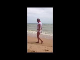 Манерный Гей на пляже в Тайланде