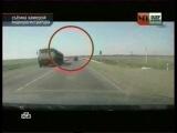 Нелепая случайность (  Осторожно на дорогах (кирпич летит в лобовое стекло)