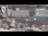 Сирия. Район Алеппо. Снайпер джихадистов убивает солдата.