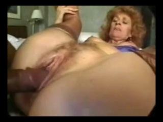 Cumaholic granny zandy rose gets ass fucked - interracial threesome
