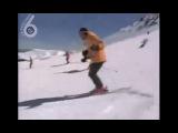 Просто страус, который катается на лыжах (6 sec)