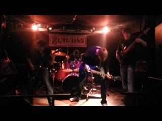 Blind Crowd - Miele