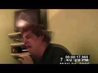 Напугали бедолагу:-)