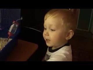 Трогательный ребенок поет песню-ну где же ты,любовь моя
