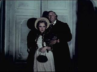 На подмостках сцены 1956 г.Лев Гурыч Синичкин -  главная роль.